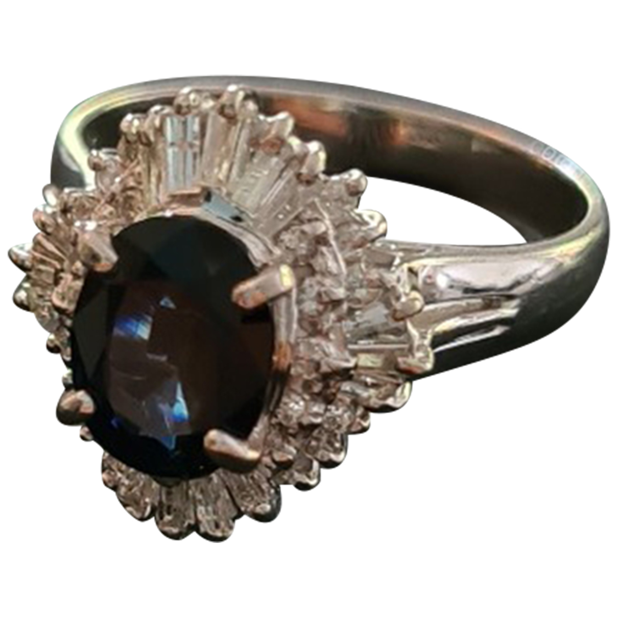 Non Signe / Unsigned Saphir Ring in  Grau Platin