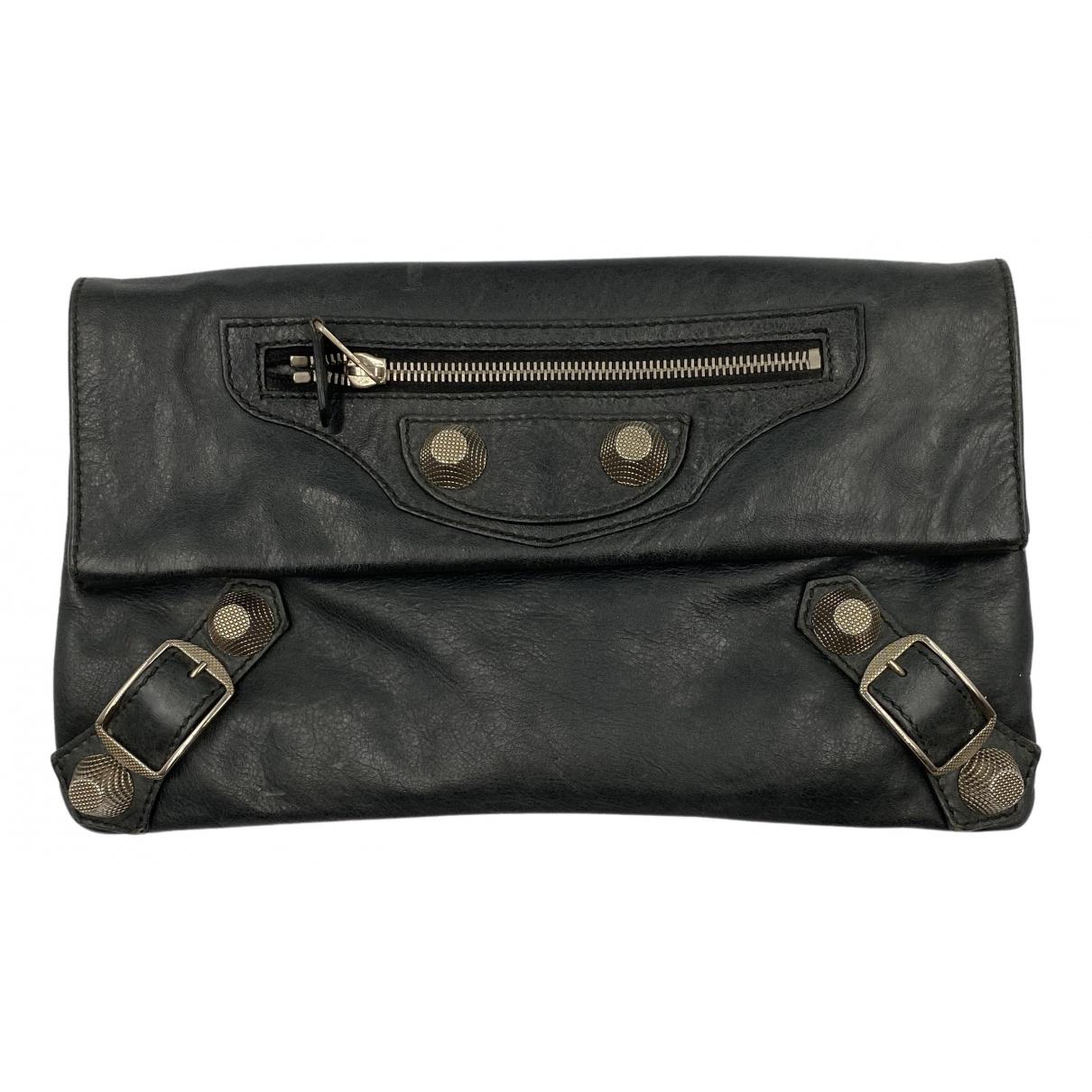 Balenciaga Envelop Clutch in  Schwarz Leder