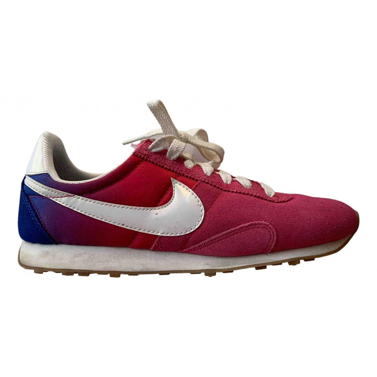 Nike Internationalist Sneakers in  Lila Leinen