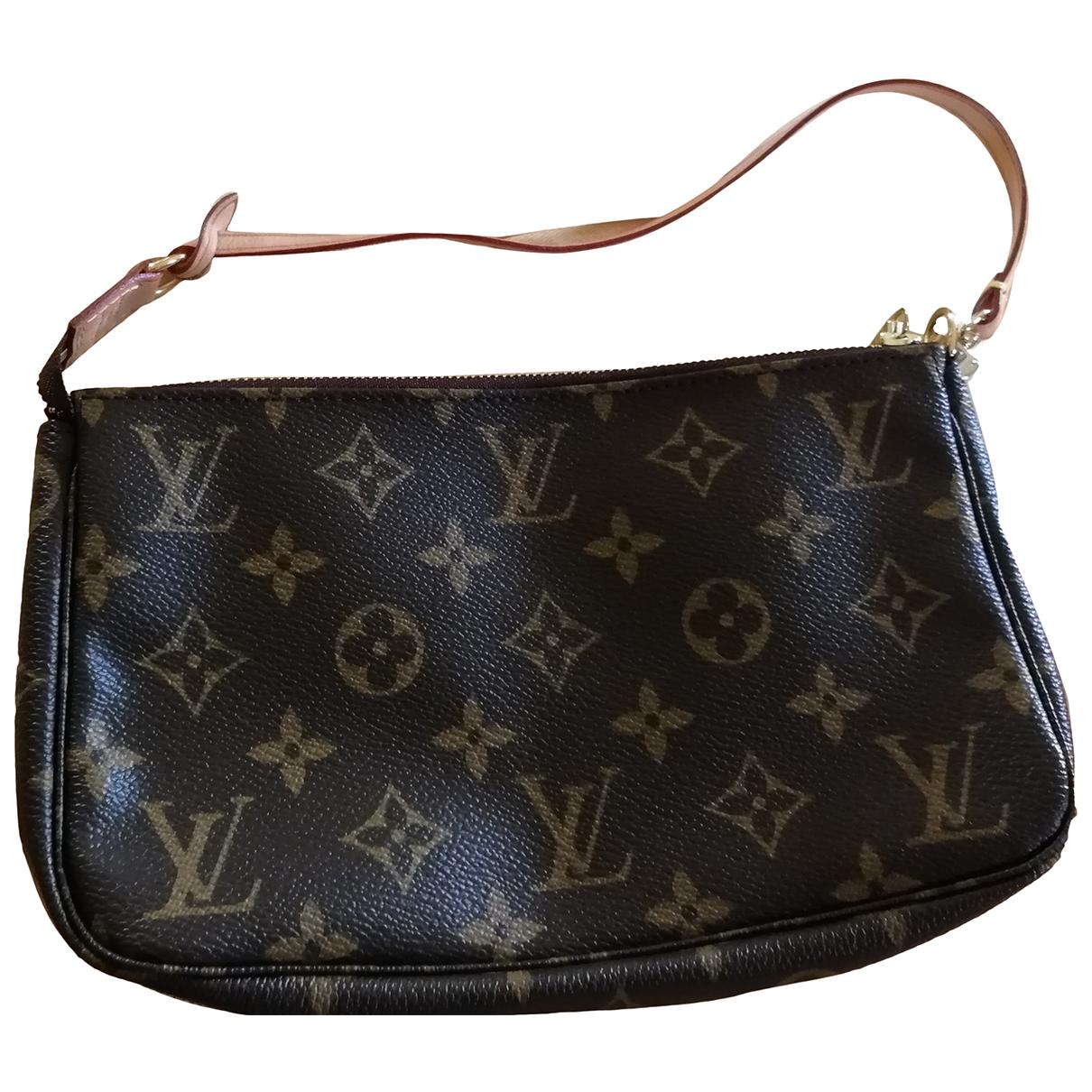 Louis Vuitton Pochette Accessoire Clutch in  Braun Leder