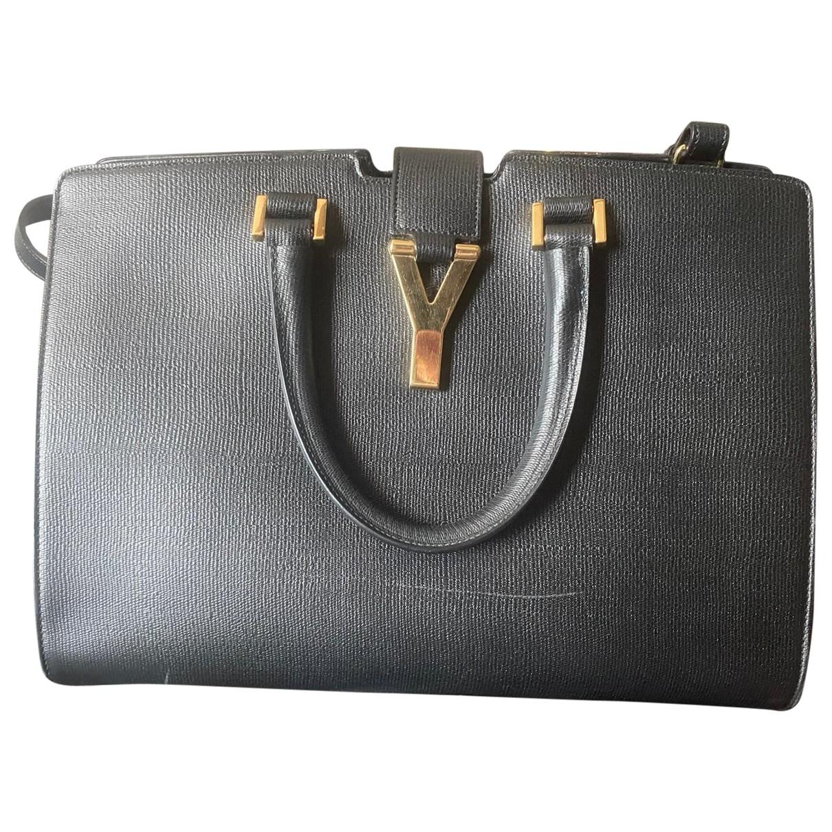 Yves Saint Laurent Chyc Black Leather handbag for Women \N
