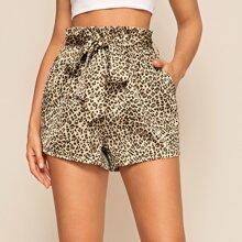 Shorts de leopardo con cinturon de cintura con volante