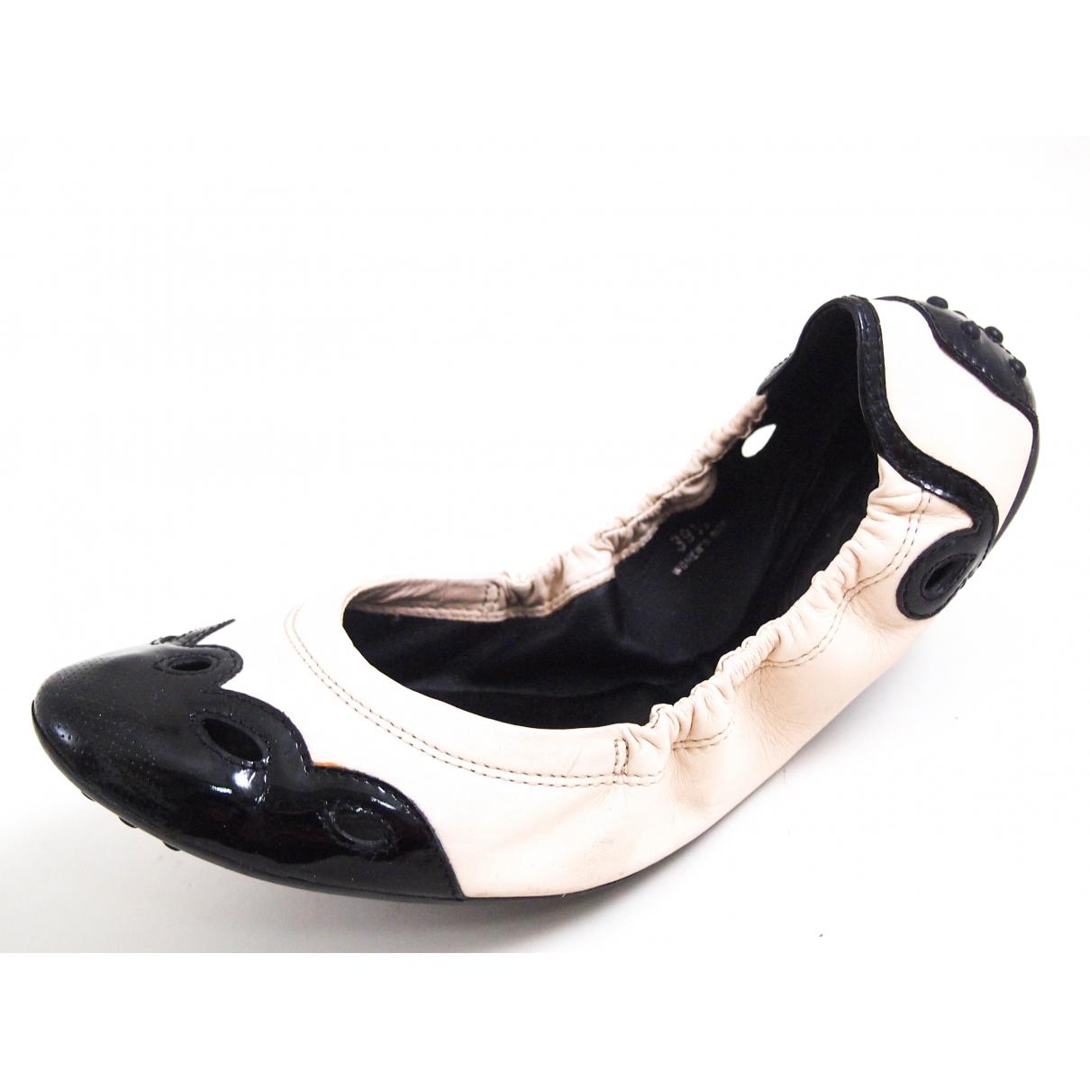 Tods \N Ballerinas in  Schwarz Lackleder
