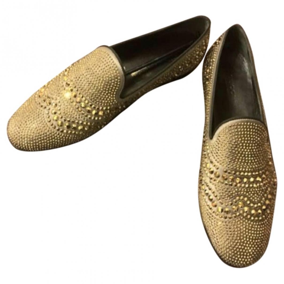 Gucci \N Mokassins in  Gold Leinen