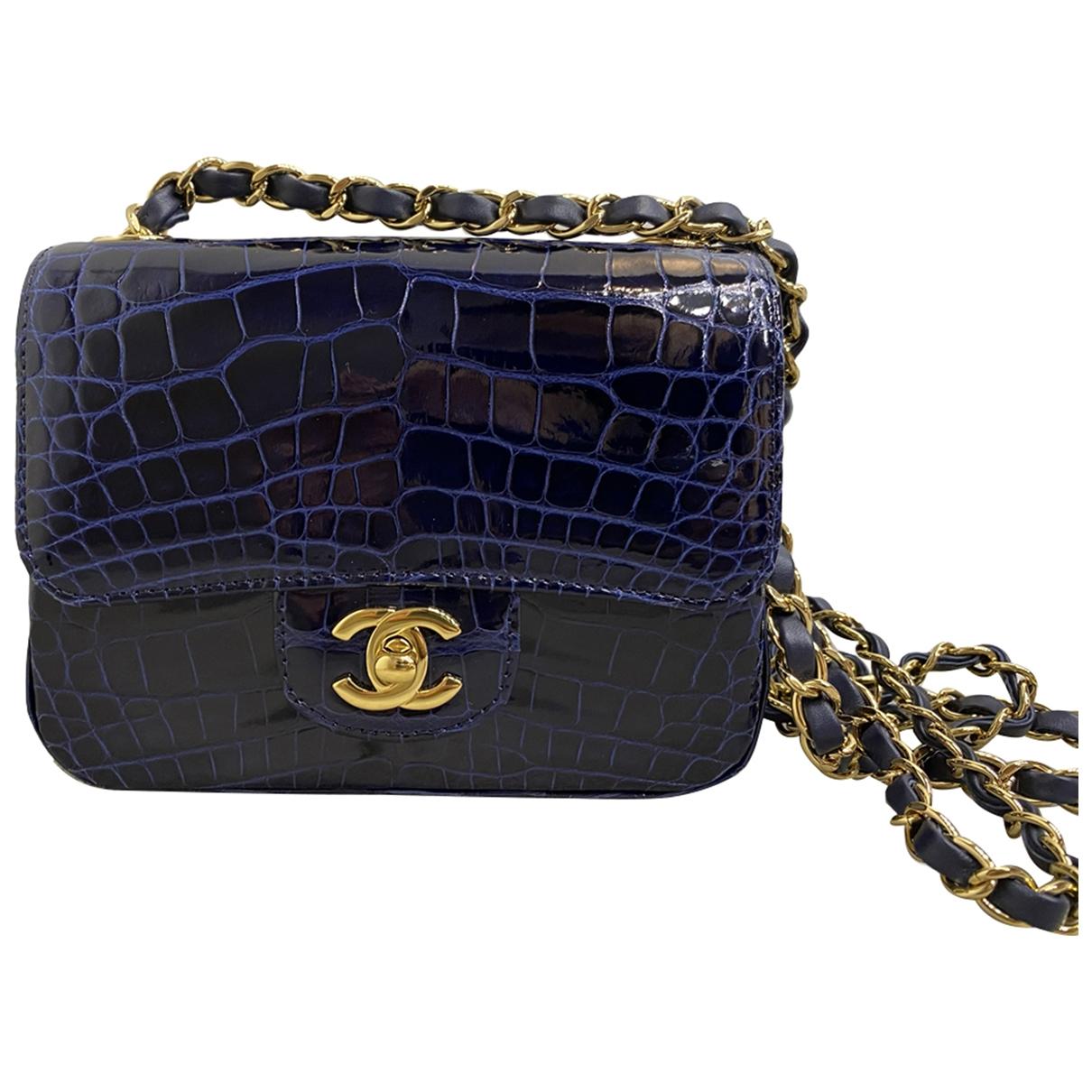 Chanel Timeless/Classique Handtasche in  Marine Aligator