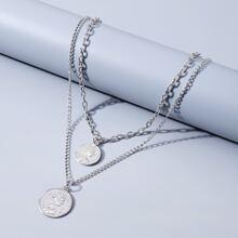 Halskette mit Figur Anhaenger