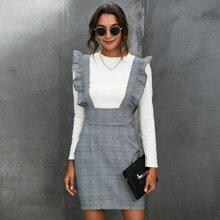 Kleid mit Rueschenbesatz und Hahnentritt Muster