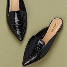 Loafers Pantoffeln mit spitzer Zehenpartie und Krokodil Praegung