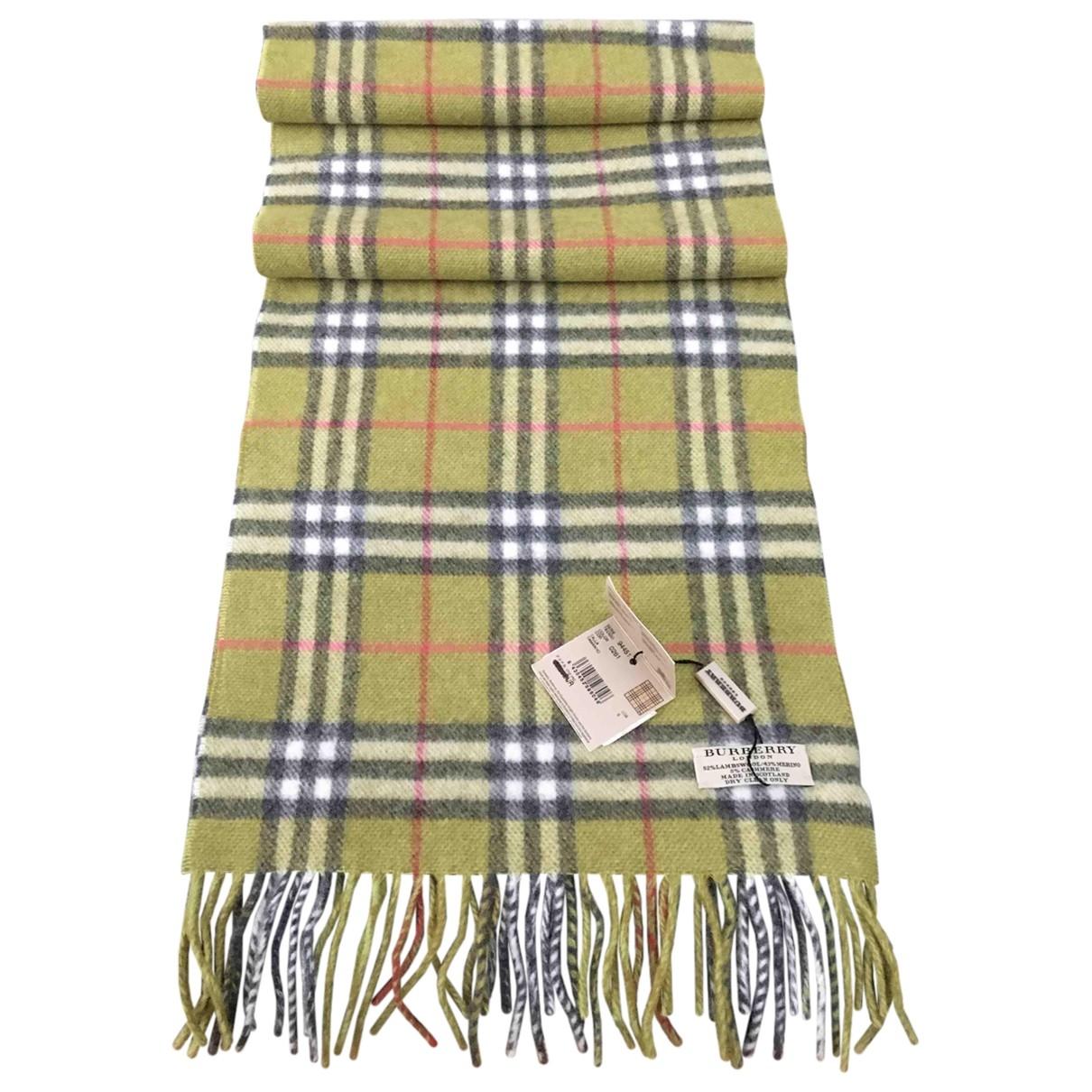 Burberry \N Tuecher, Schal in  Gruen Wolle