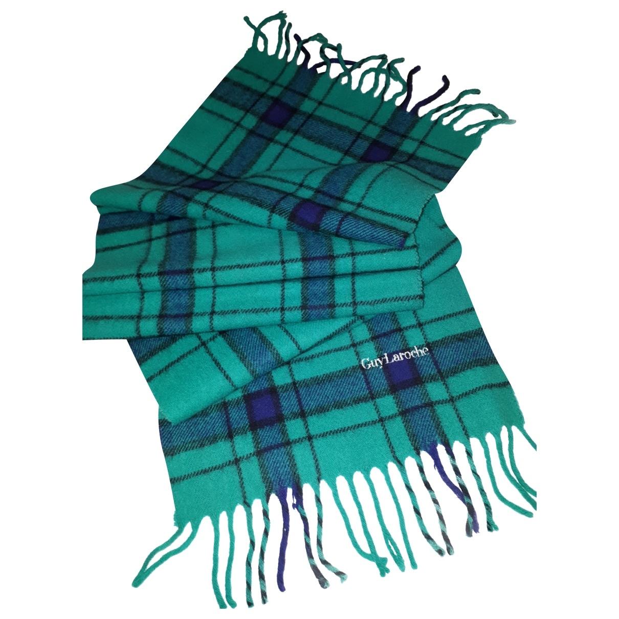 Pañuelo / bufanda de Lana Guy Laroche