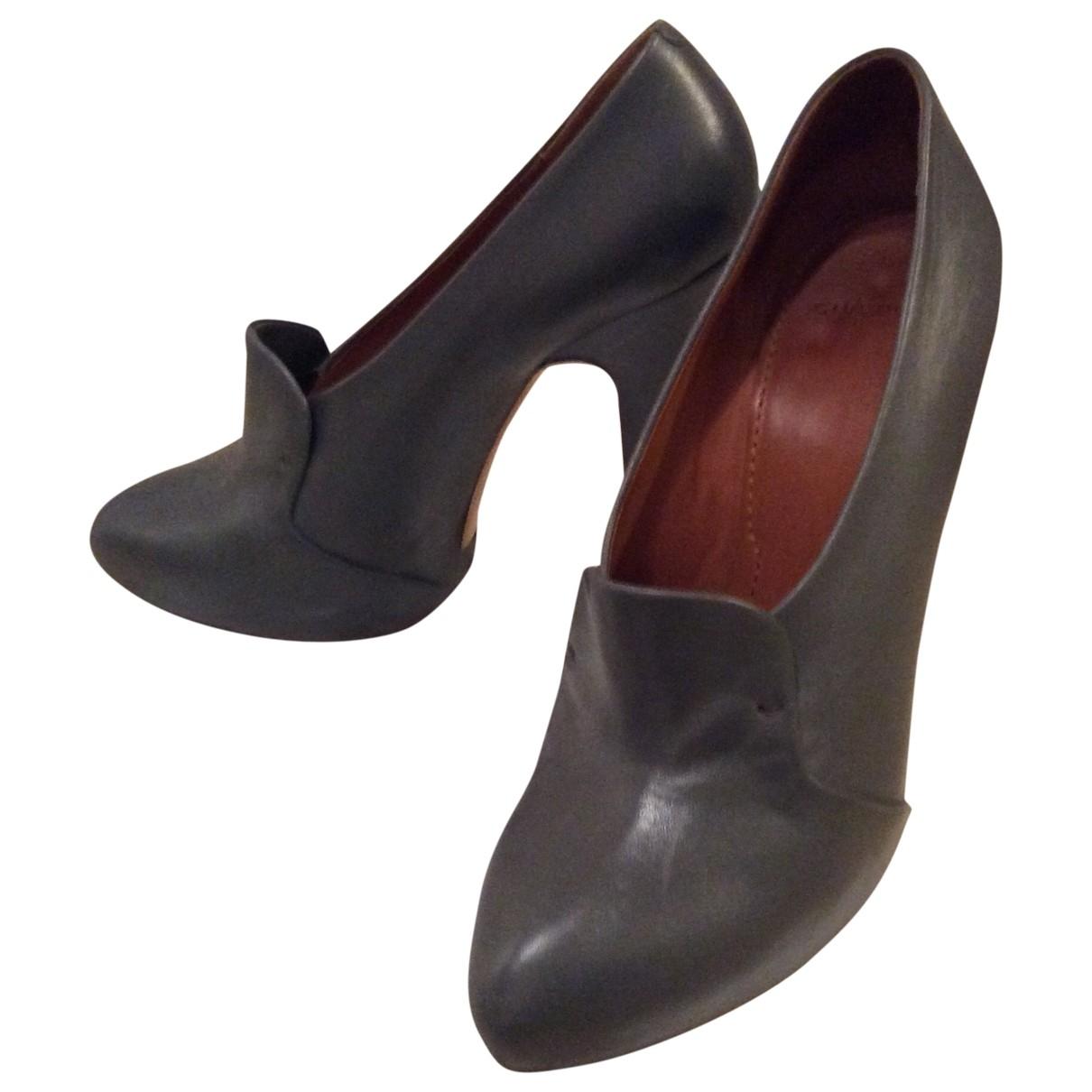 Givenchy - Escarpins   pour femme en cuir - gris