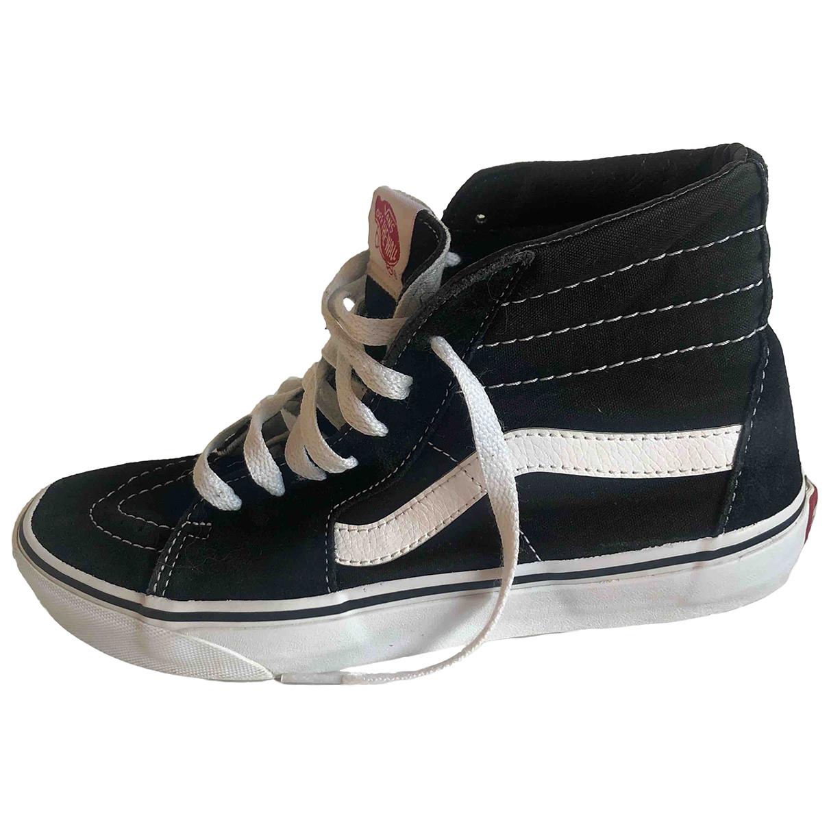 Vans \N Sneakers in  Schwarz Veloursleder