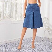 Denim Shorts mit Knopfen um die Taille und schraegen Taschen