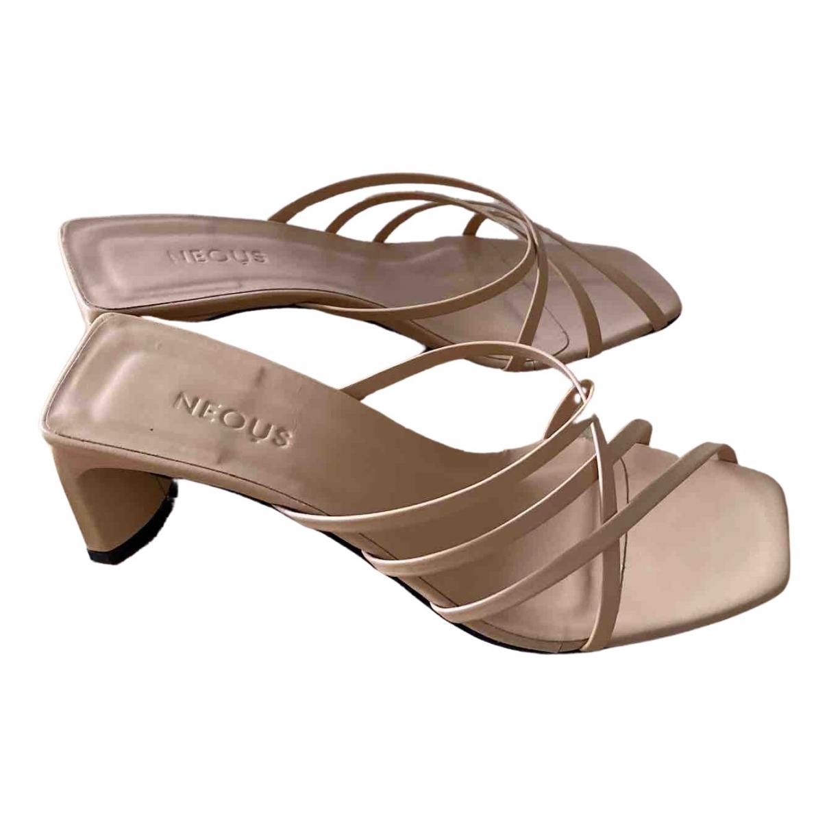 Neous - Sandales   pour femme en cuir - beige