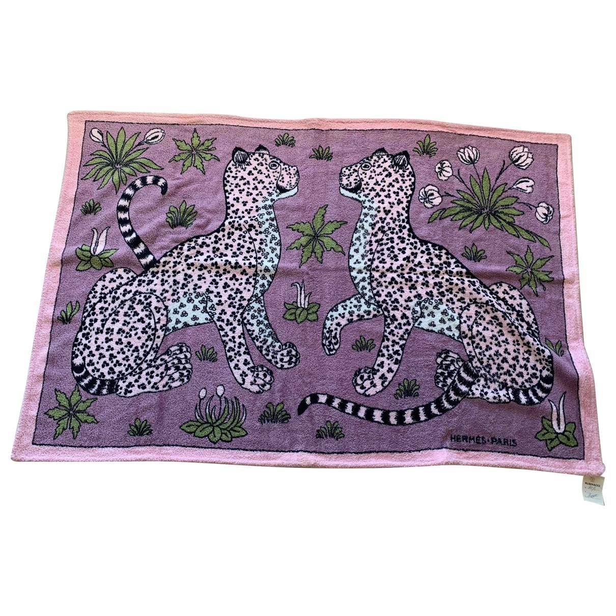 Hermes - Linge de maison Les Leopards pour lifestyle en coton - rose