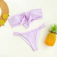 Bandeau Bikini Badeanzug mit Knoten vorn und Tanga