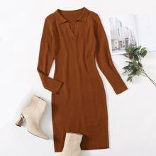 Pulloverkleid mit eingekerbtem Kragen