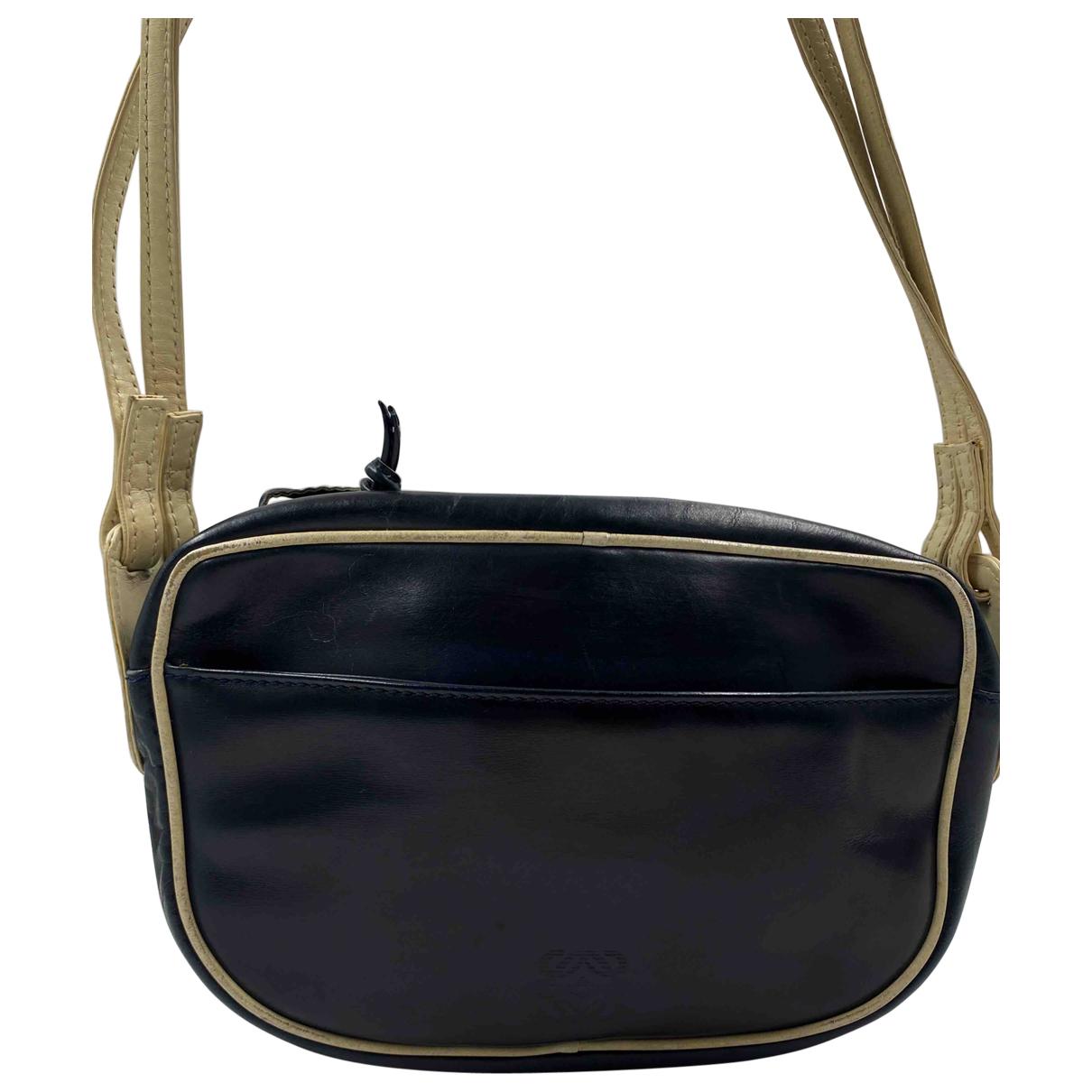 Loewe \N Handtasche in  Marine Leder