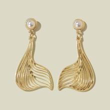 Ohrringe mit Fischschwanz Anhaenger