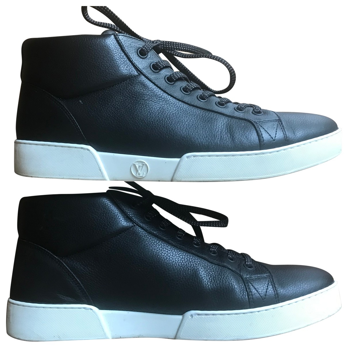 Louis Vuitton N Black Leather Trainers for Men 41.5 EU