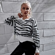 Pullover mit Zebra Streifen und sehr tief angesetzter Schulterpartie