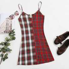 Gespleisstes Slip Kleid mit Karo Muster