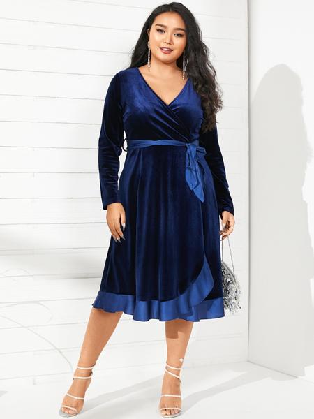YOINS Plus Size V-neck Wrap Design Belt Design Christmas Long Sleeves Midi Dress