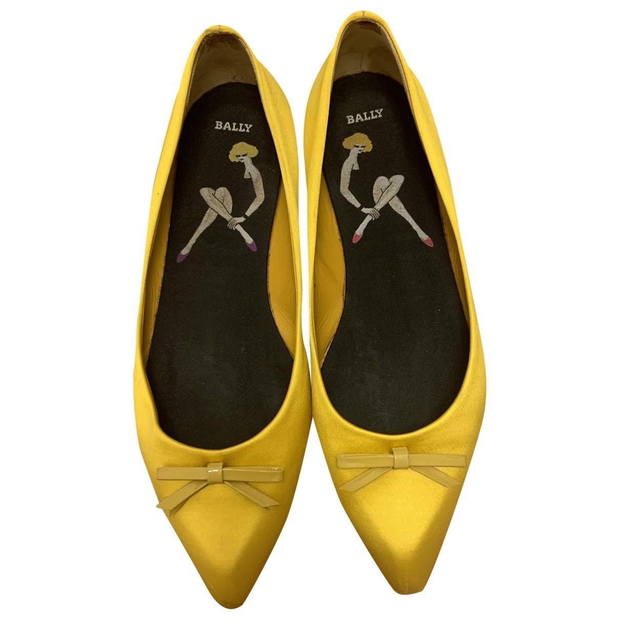 Bally \N Yellow Velvet Ballet flats for Women 38.5 EU