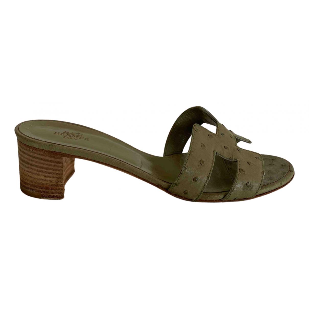 Hermès Oasis Green Ostrich Sandals for Women 38 EU