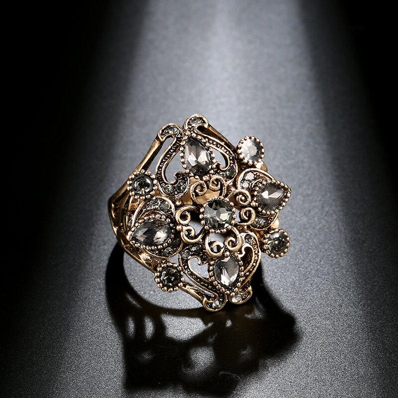 Vintage Metal Grey Diamond Ring Ancient Gold Carved Hollw Crystal Finger Ring
