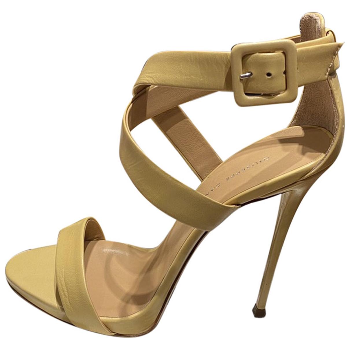 Giuseppe Zanotti - Sandales   pour femme en cuir - jaune