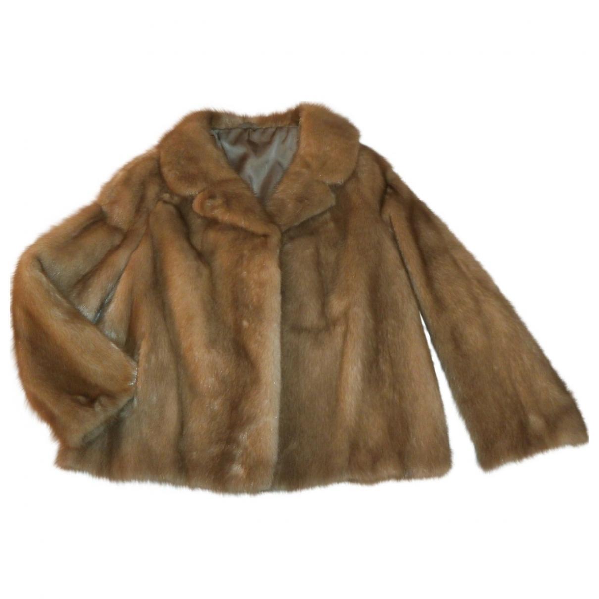 Saga Furs \N Maentel in  Beige Nerz