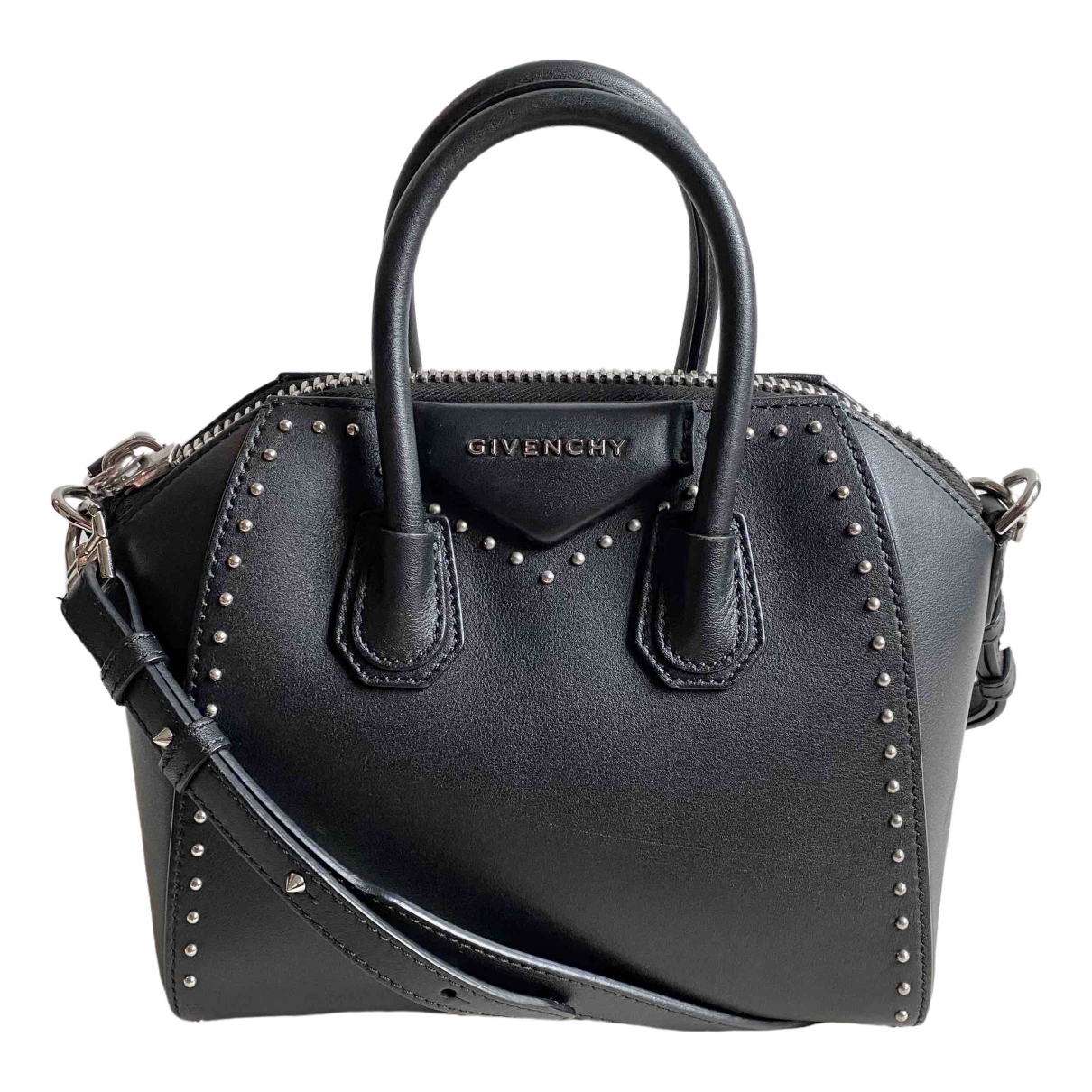 Givenchy Antigona Black Leather handbag for Women \N