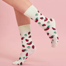 Socken mit Erdbeere Muster