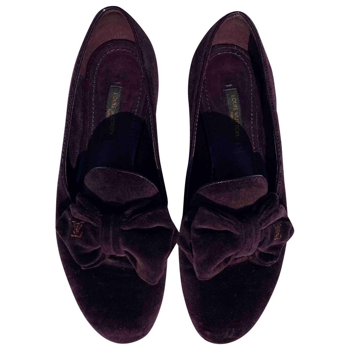 Louis Vuitton \N Burgundy Velvet Flats for Women 36 IT
