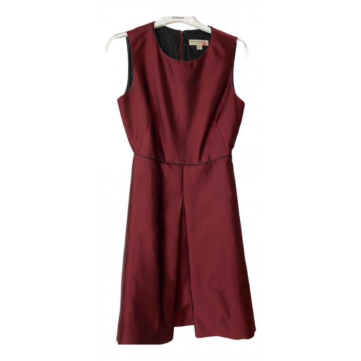 Burberry \N Kleid in  Bordeauxrot Polyester