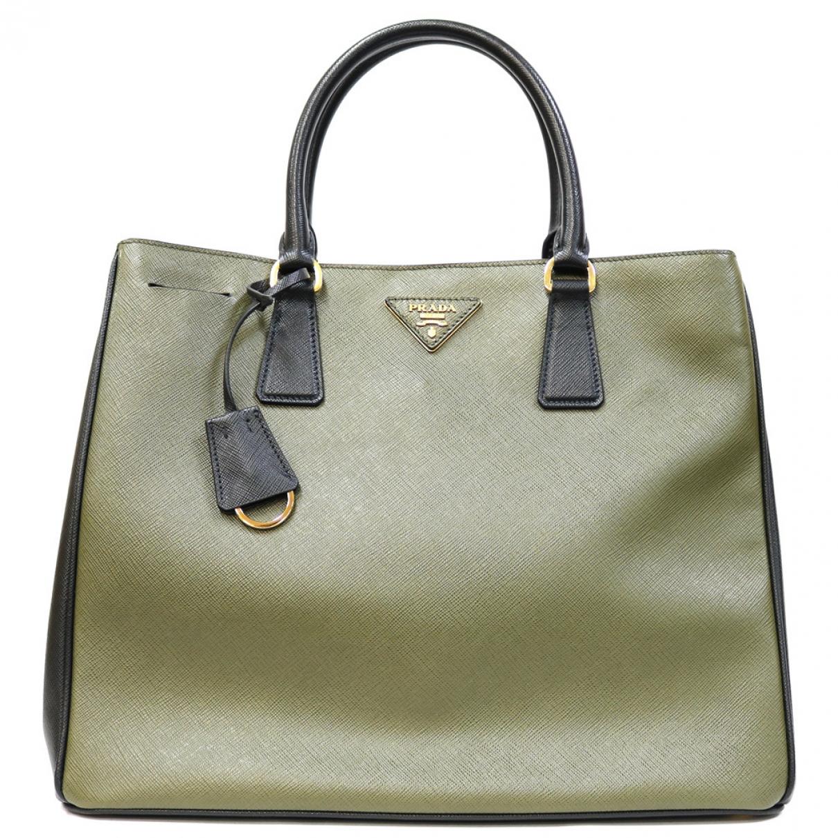 Prada Galleria Handtasche in  Gruen Leder