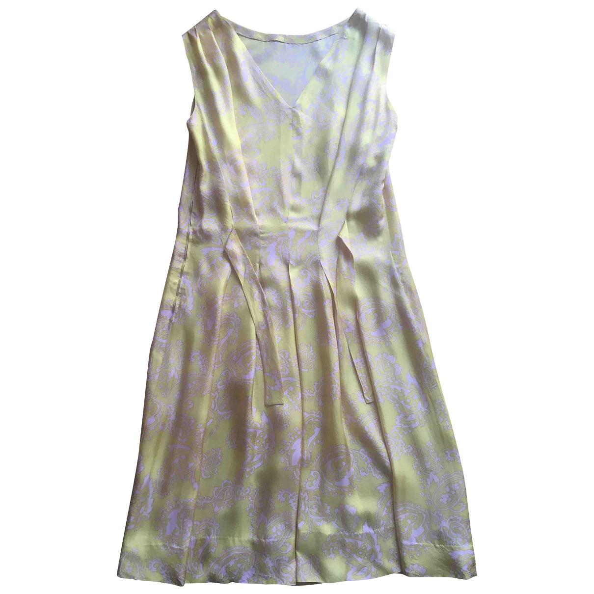 Non Signe / Unsigned \N Kleid in  Gelb Seide