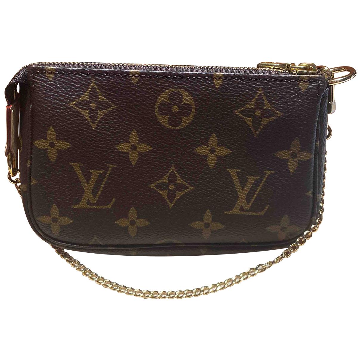 Louis Vuitton Pochette Accessoire Clutch in  Braun Leinen