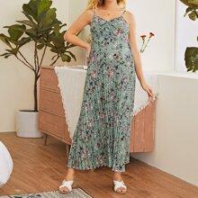 Cami Kleid mit Falten und Blumen Muster