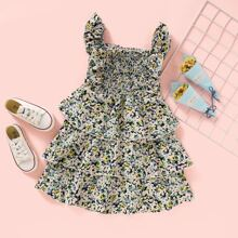 Mehrschichtiges Kleid mit ueberallen Blumen Mustern