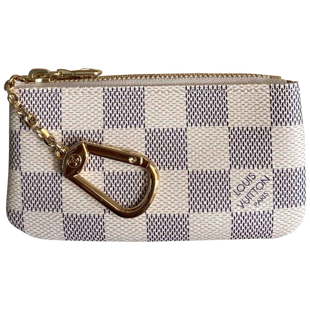 Louis Vuitton \N Beige Cloth Purses, wallet & cases for Women \N