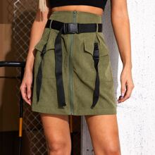 Falda con cinturon con hebilla con cremallera con bolsillo con solapa