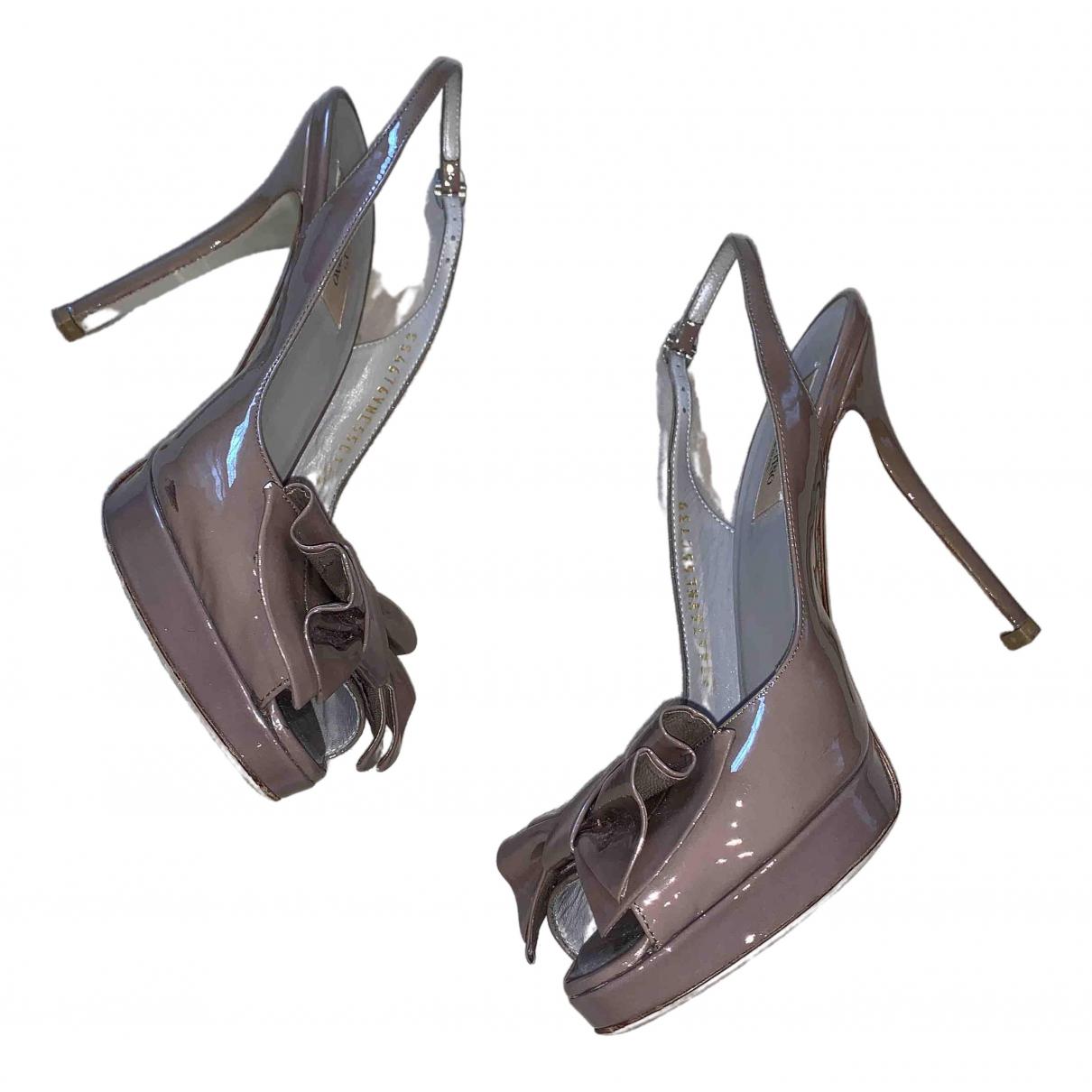 Valentino Garavani - Escarpins   pour femme en cuir verni - gris