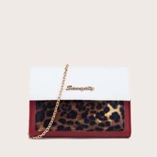 Umhaengetasche mit Leopard Muster und Kette