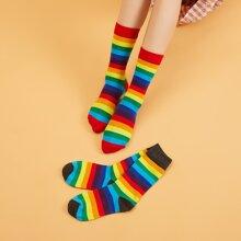 Calcetines de rayas de arcoiris