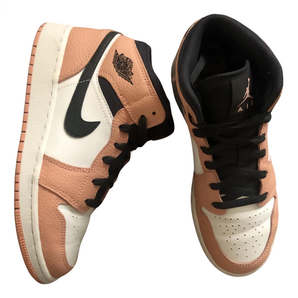 Jordan Air Jordan 1  Sneakers in  Rosa Leder