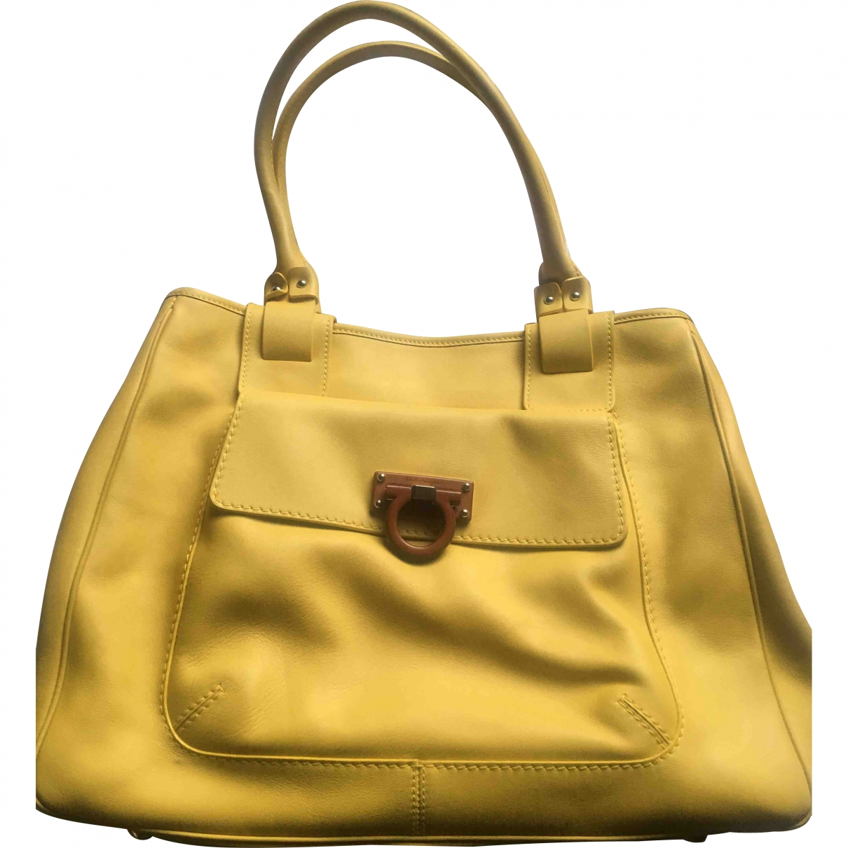 Salvatore Ferragamo \N Yellow Leather handbag for Women \N