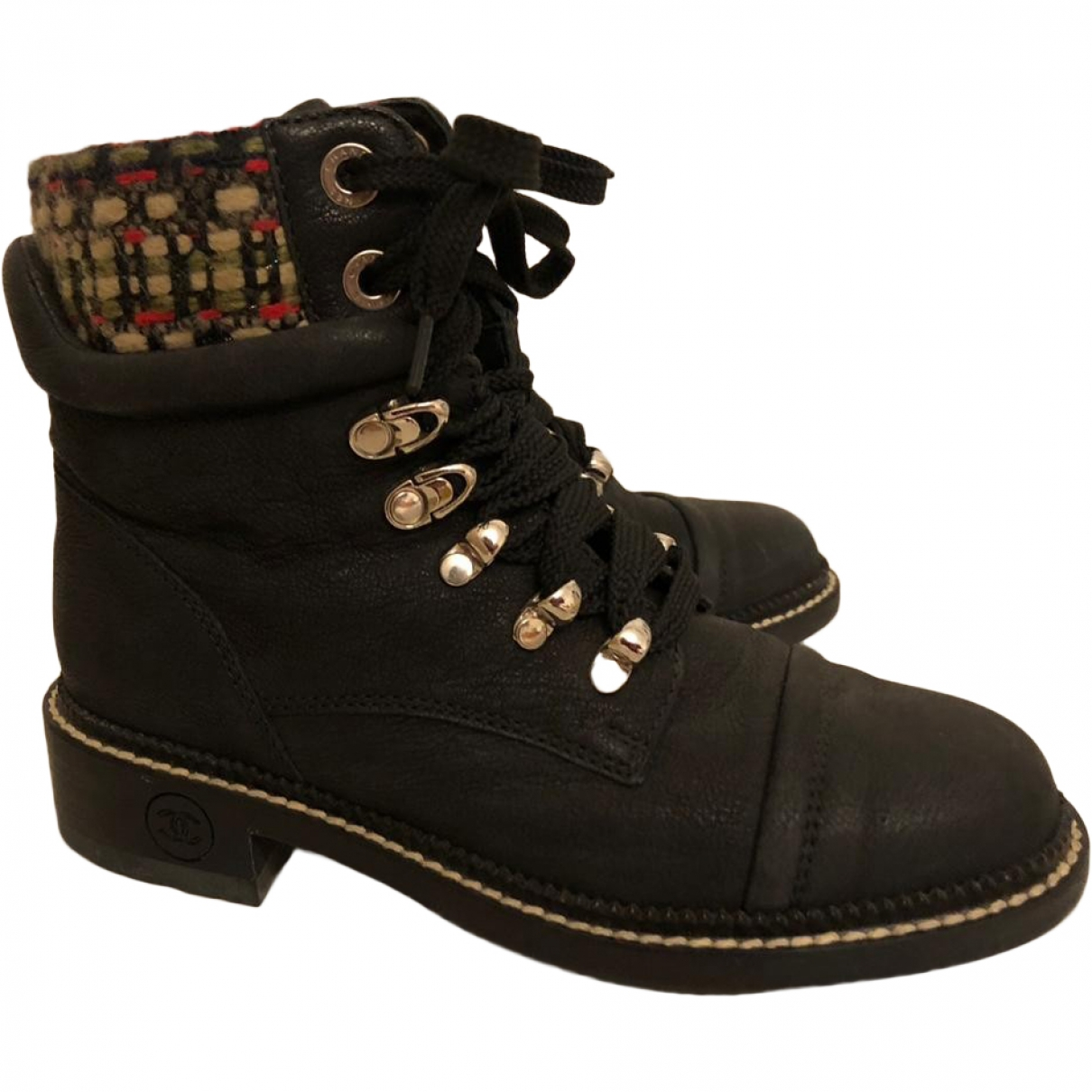 Chanel \N Black Leather Boots for Women 35 EU