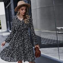 A-Linie Kleid mit komplettem Muster, Band vorn und Rueschen